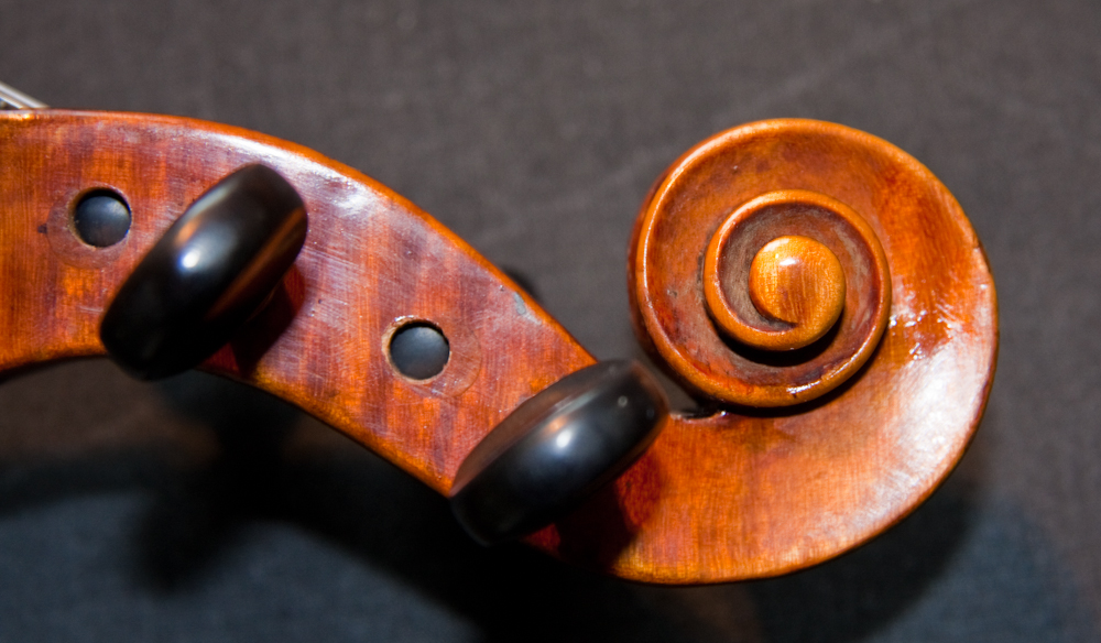 Tidy scroll of German Stainer violin