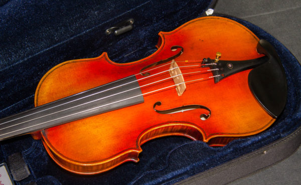 'Leduc' Guarneri del Gesu 1745 replica model violin, best available violins under £1000, Virtuosi violins own label.