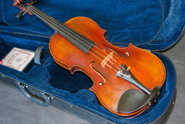 'Emperor' Stradivarius 1715 replica model violin, best available violins under £1000, Virtuosi violins own label.